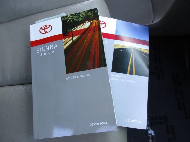 Toyota Sienna 2012 price $15,995