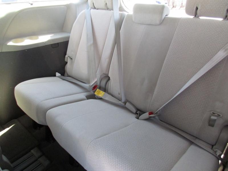 Toyota Sienna 2011 price $7,995