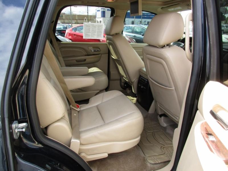 Cadillac Escalade 2013 price $24,995