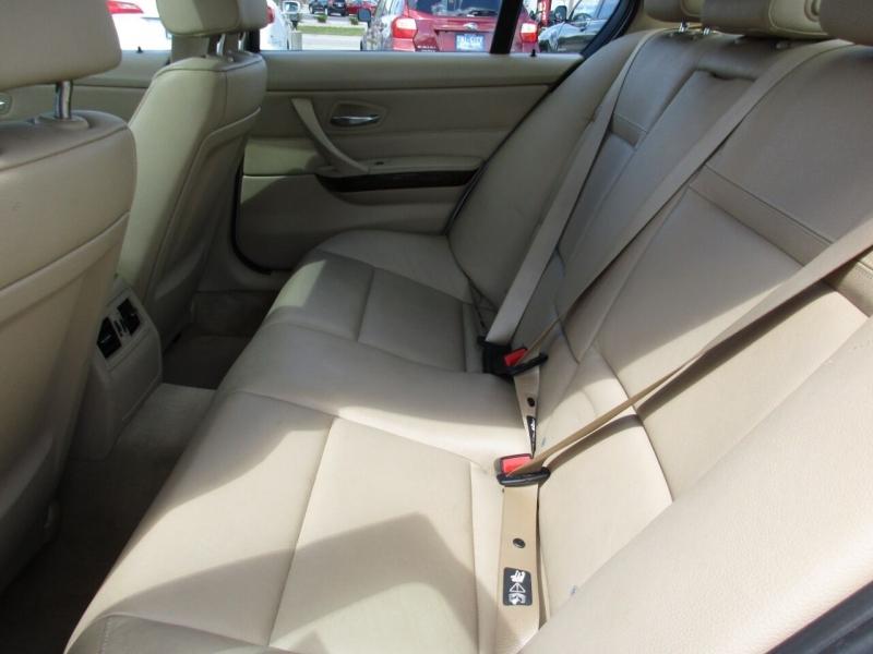 BMW 3 Series 2011 price $9,995