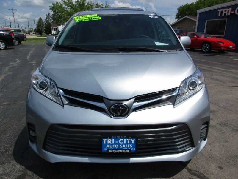 Toyota Sienna 2020 price $39,995