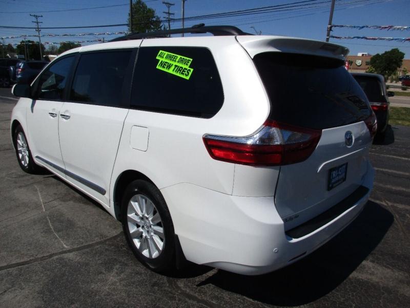 Toyota Sienna 2015 price $24,995