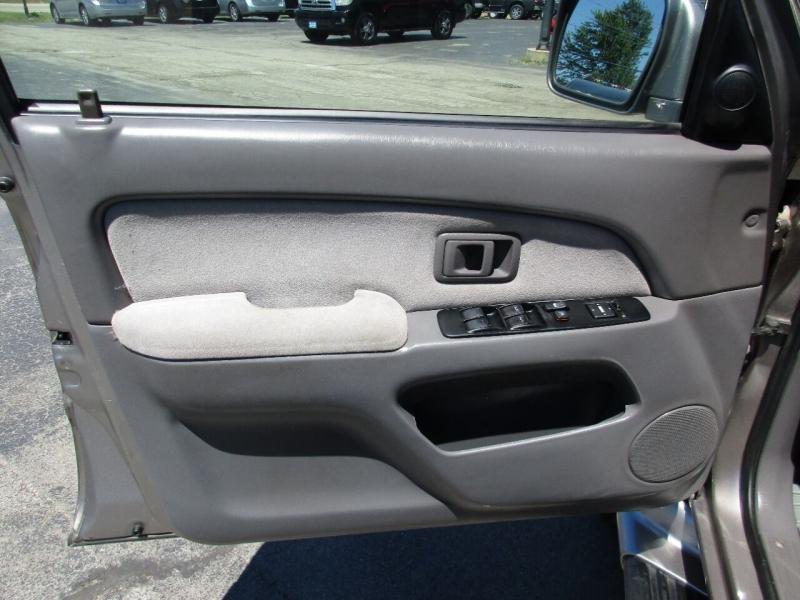 Toyota 4Runner 2001 price $11,995