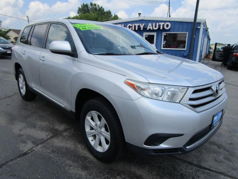 Toyota Highlander 2013 price $13,995