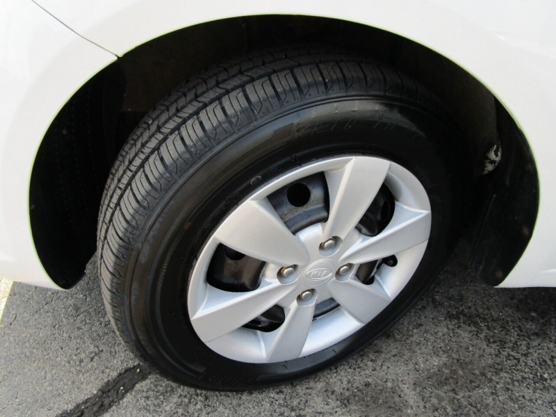 Kia Rio 2010 price $5,995