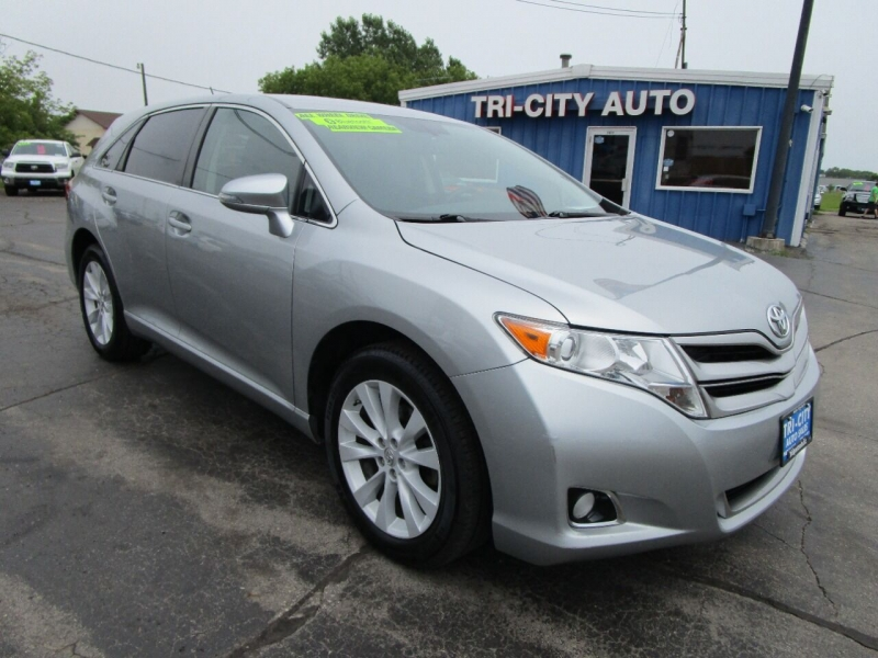 Toyota Venza 2015 price $19,995