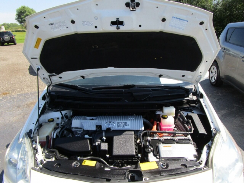 Toyota Prius 2011 price $8,995