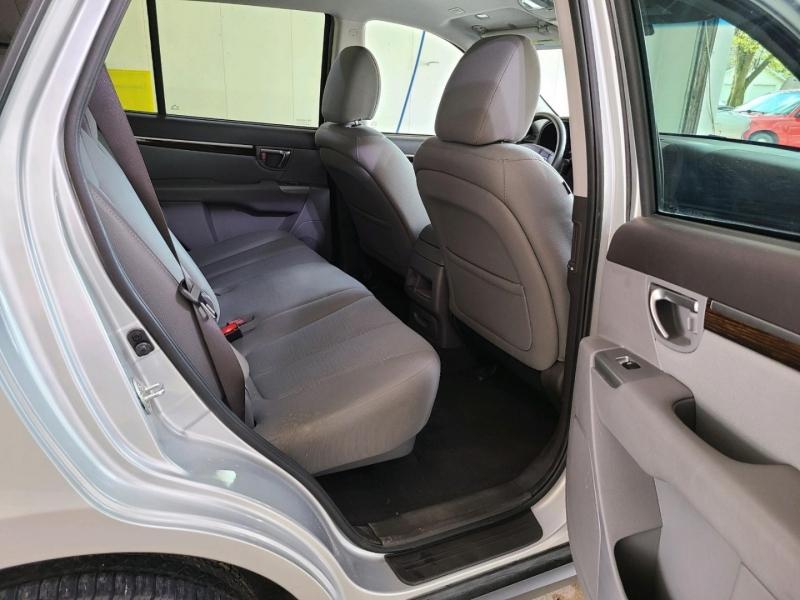 Hyundai Santa Fe 2011 price $10,800