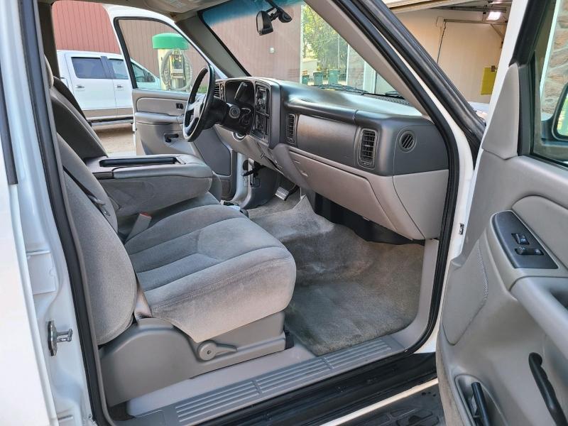GMC Yukon XL 2004 price $8,900