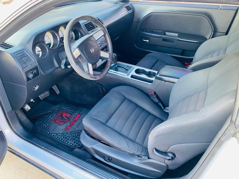 Dodge Challenger 2010 price $9,995