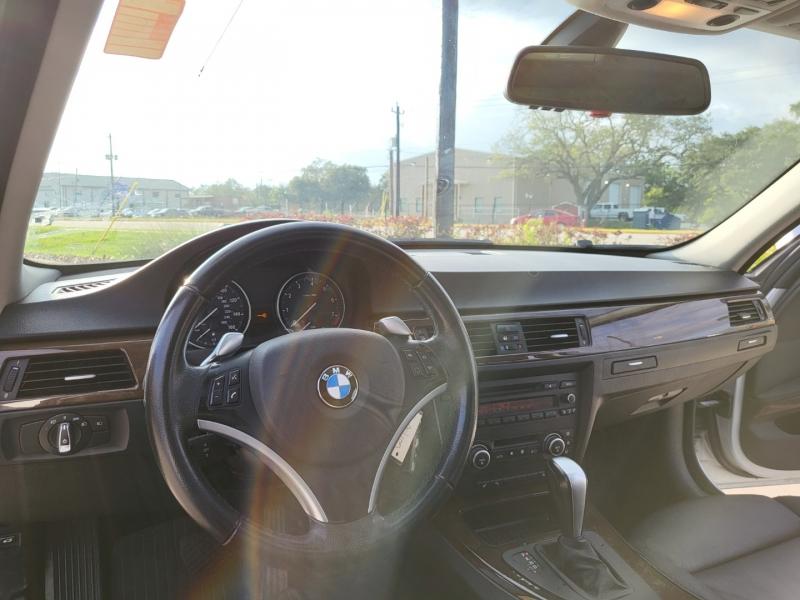 BMW 3-Series 2009 price $7,295