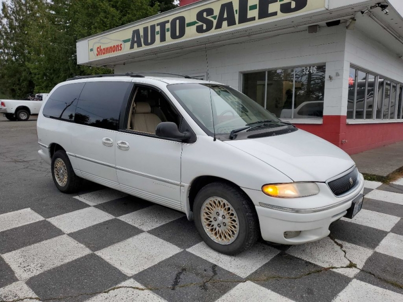 CHRYSLER TOWN & COUNTRY 1997 price $2,495