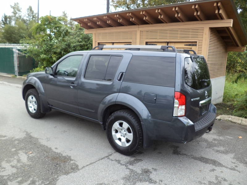 Nissan Pathfinder 2011 price $9,950
