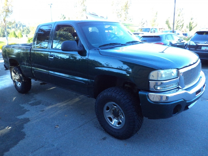 GMC Sierra 2500HD 2004 price $7,450