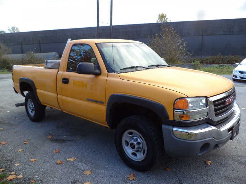 GMC Sierra 2500HD 2005 price $5,450