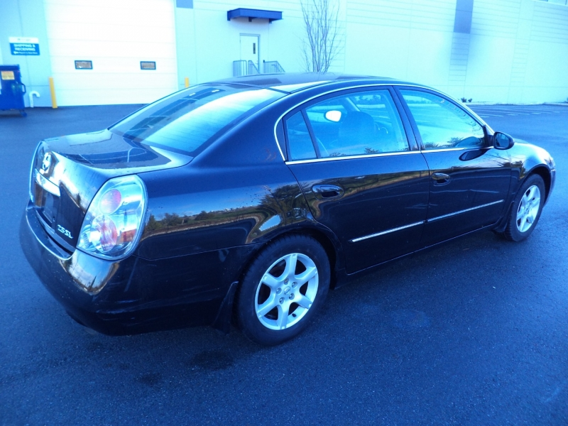 Nissan Altima 2005 price $4,950