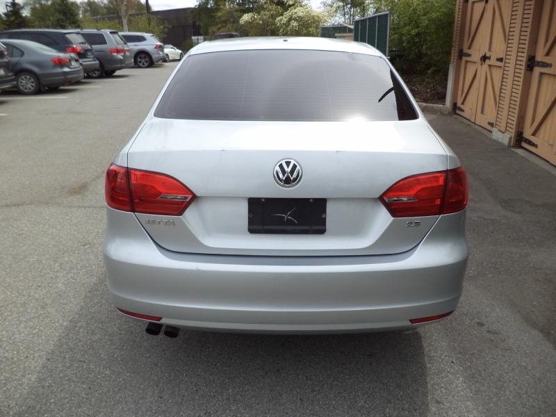 Volkswagen Jetta Sedan 2011 price $6,750