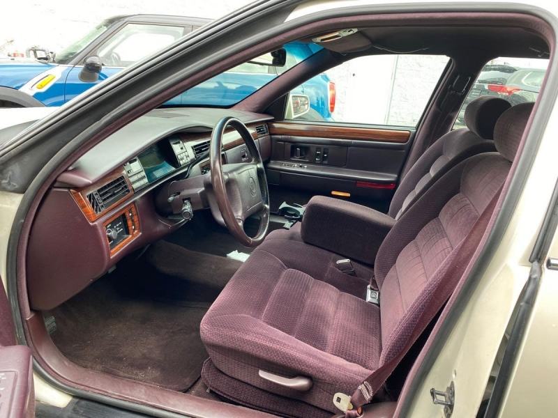 Cadillac Deville 1994 price $4,450