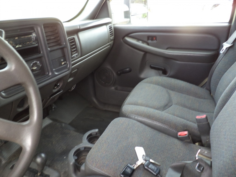 GMC Sierra 2500HD 2004 price $8,950