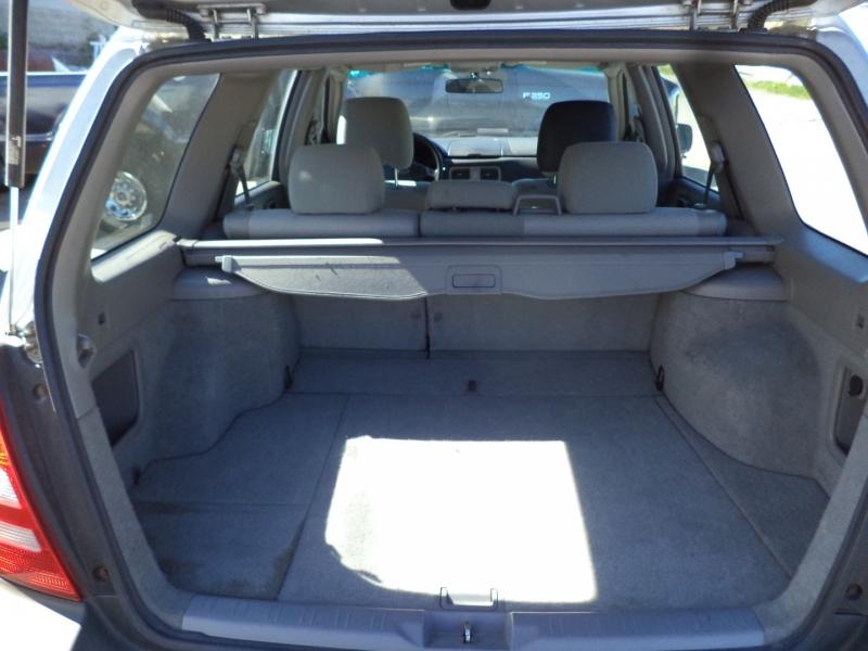 Subaru Forester 2003 price $3,250