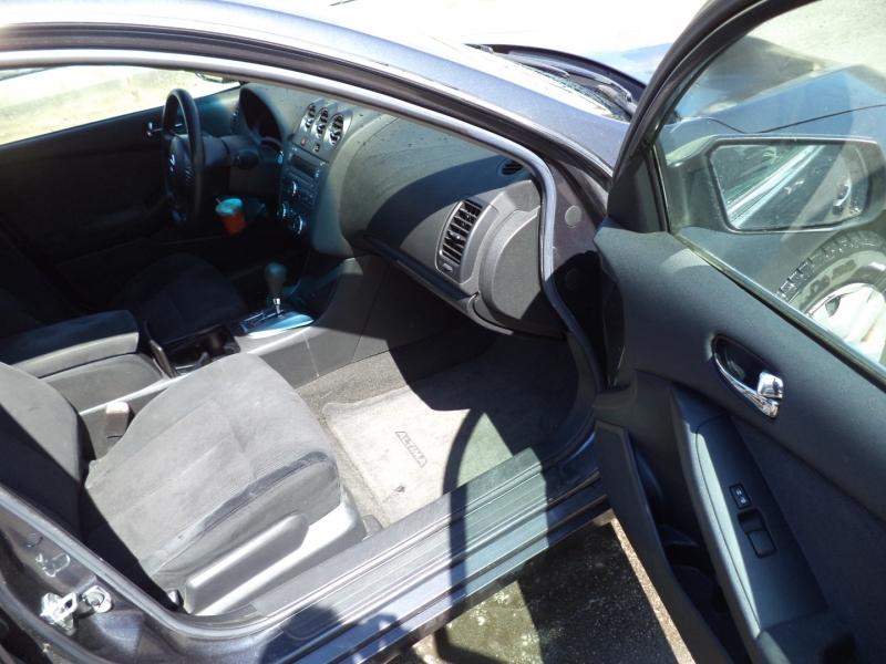 Nissan Altima 2011 price $4,950
