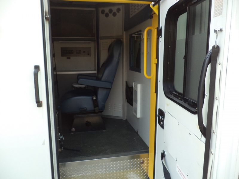 Chevrolet Express Commercial Cutaway 2011 price $9,950