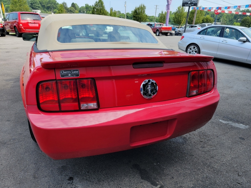 FORD MUSTANG 2007 price $10,995
