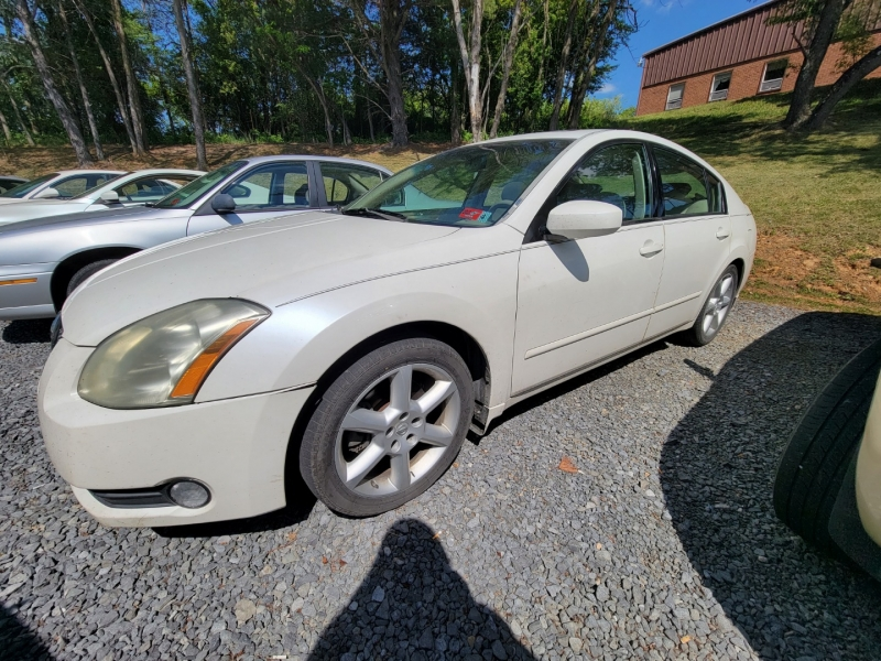 Nissan MAXIMA 2005 price $1,900