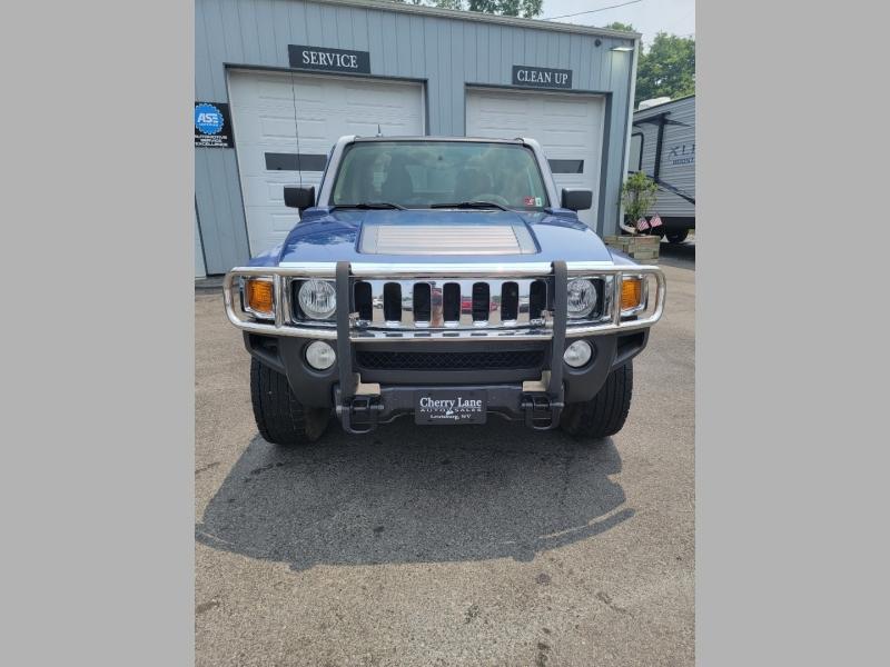 Hummer H3T 2009 price $15,995