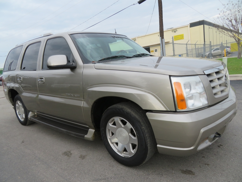 Cadillac Escalade 2002 price $5,250