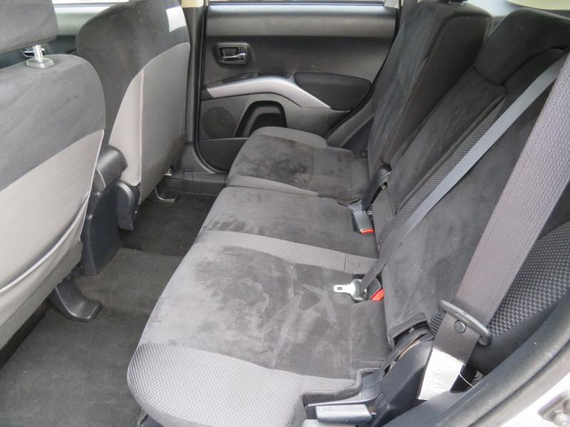 Mitsubishi Outlander 2013 price $6,599