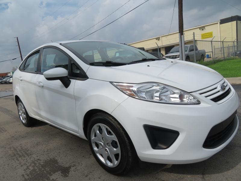 Ford Fiesta 2013 price $5,999