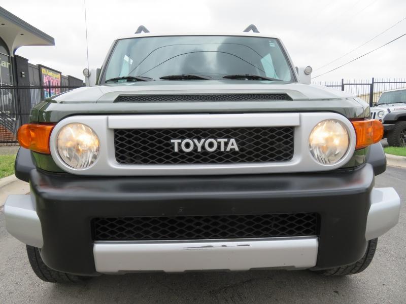 Toyota FJ Cruiser 2010 price $15,490
