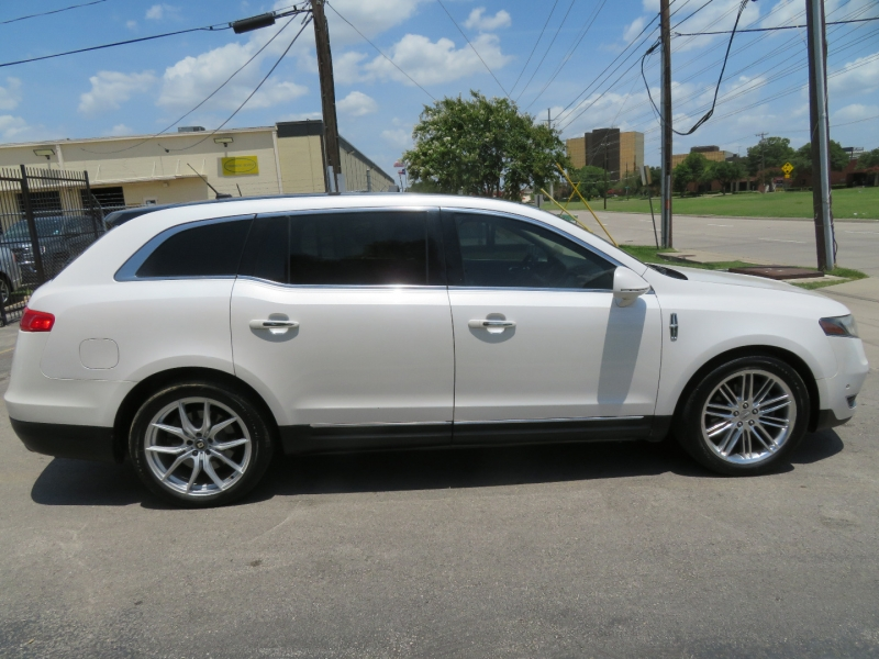 Lincoln MKT 2013 price $7,850