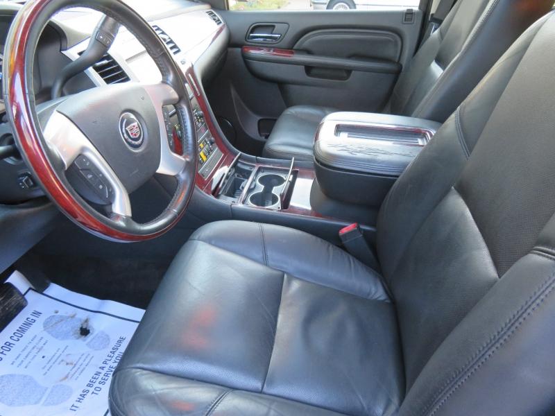 Cadillac Escalade 2011 price $11,980
