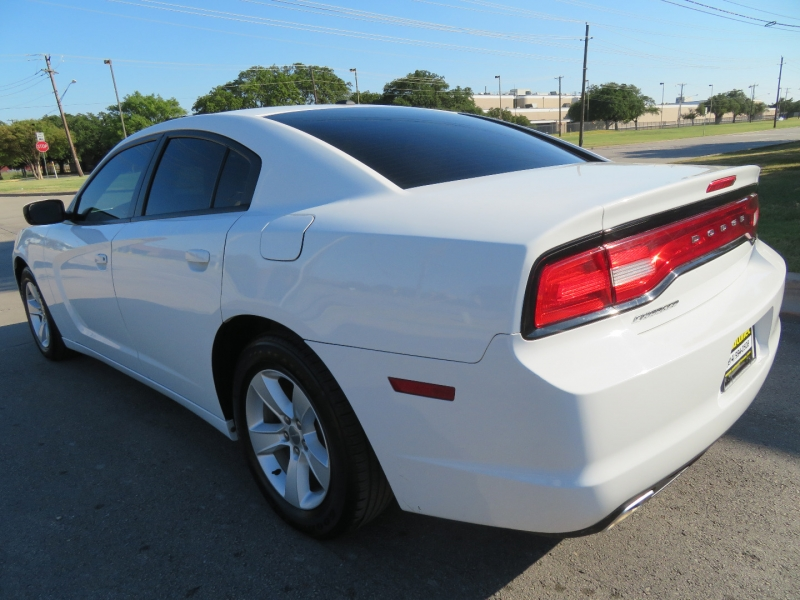Dodge Charger 2011 price $5,995