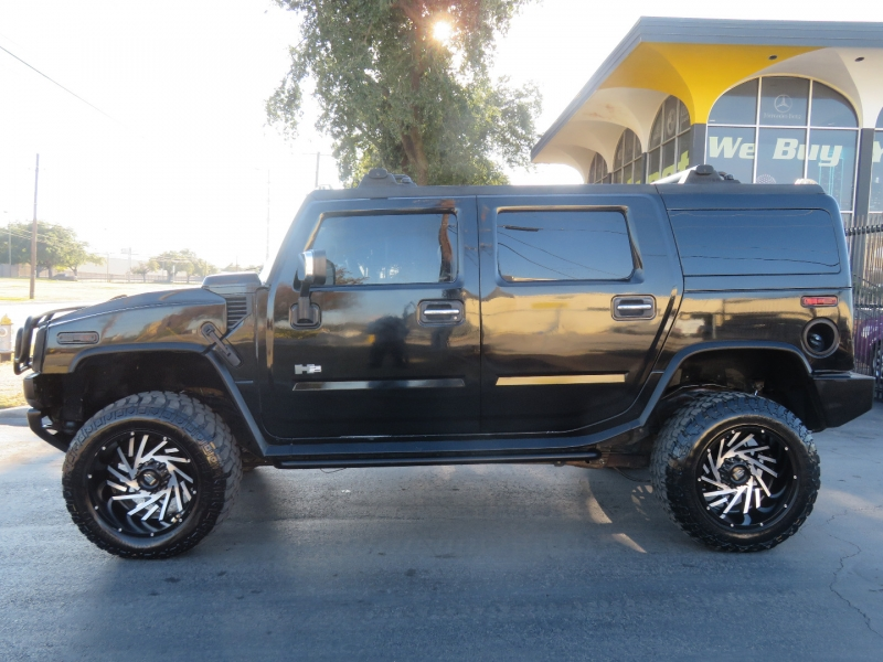 Hummer H2 2004 price $11,980