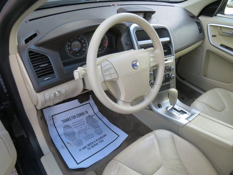 Volvo XC60 2010 price $5,850