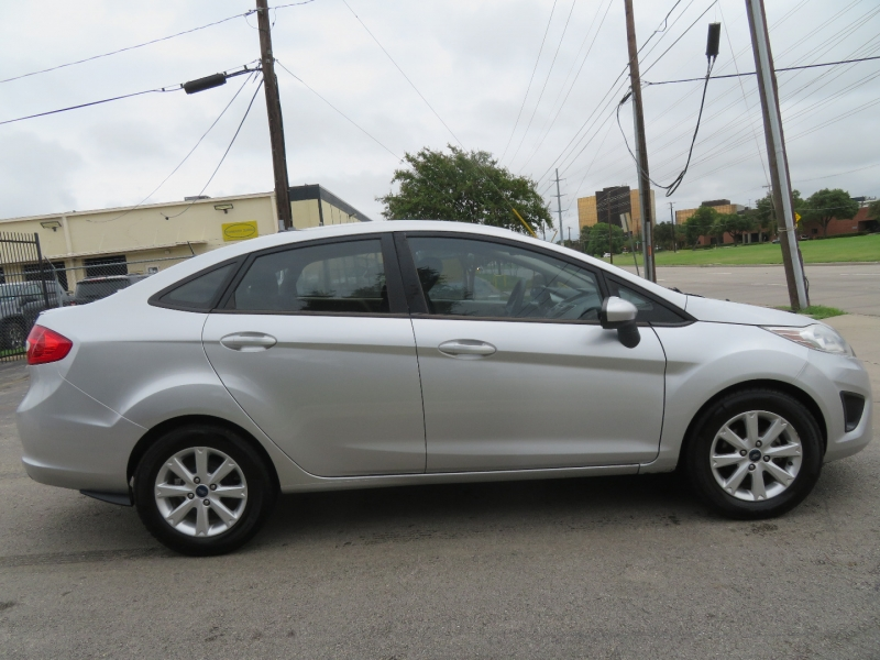 Ford Fiesta 2011 price $5,950