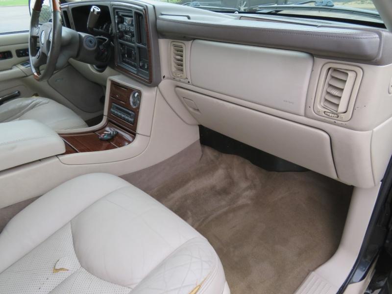 Cadillac Escalade 2004 price $5,995
