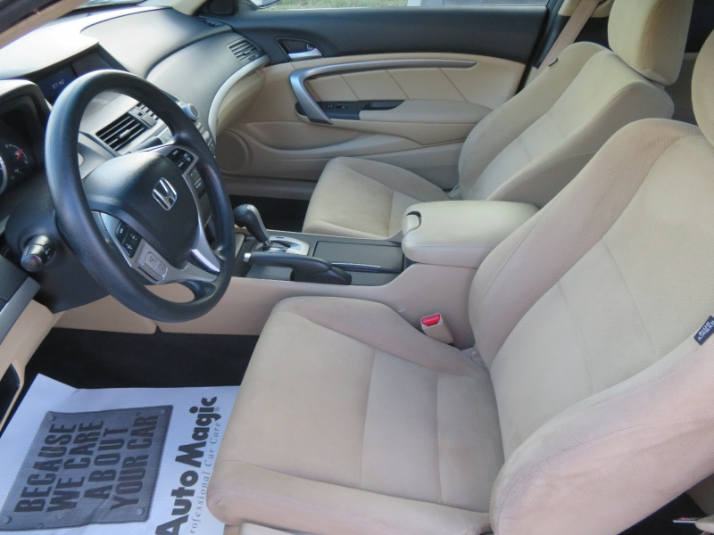 Honda Accord Cpe 2011 price $10,980