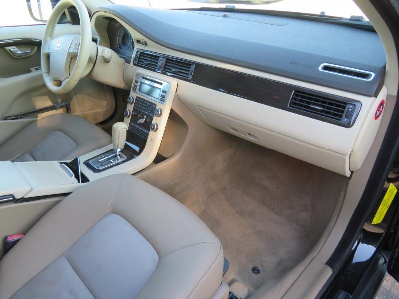 Volvo XC70 2008 price $8,980