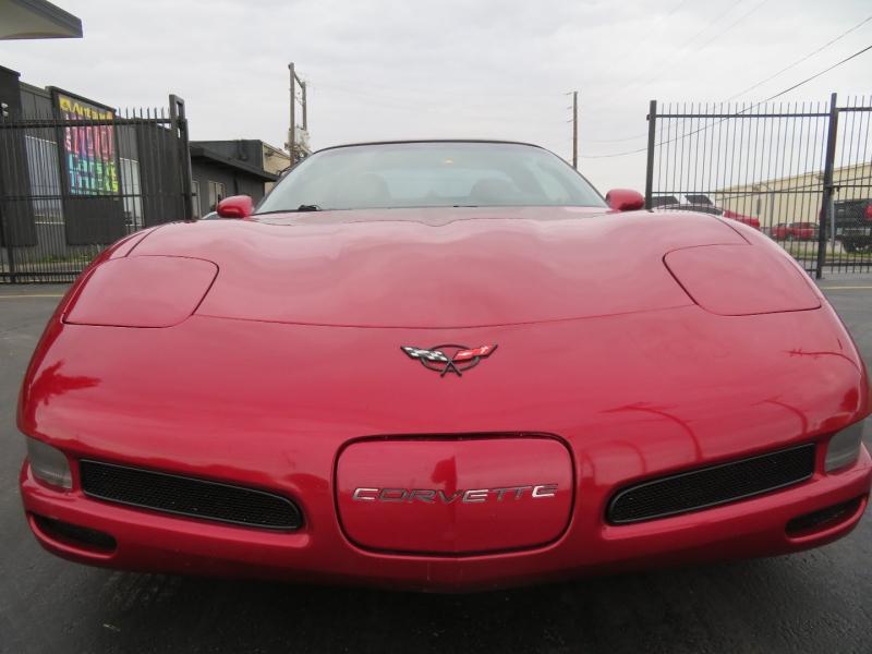 Chevrolet Corvette 2000 price $12,999