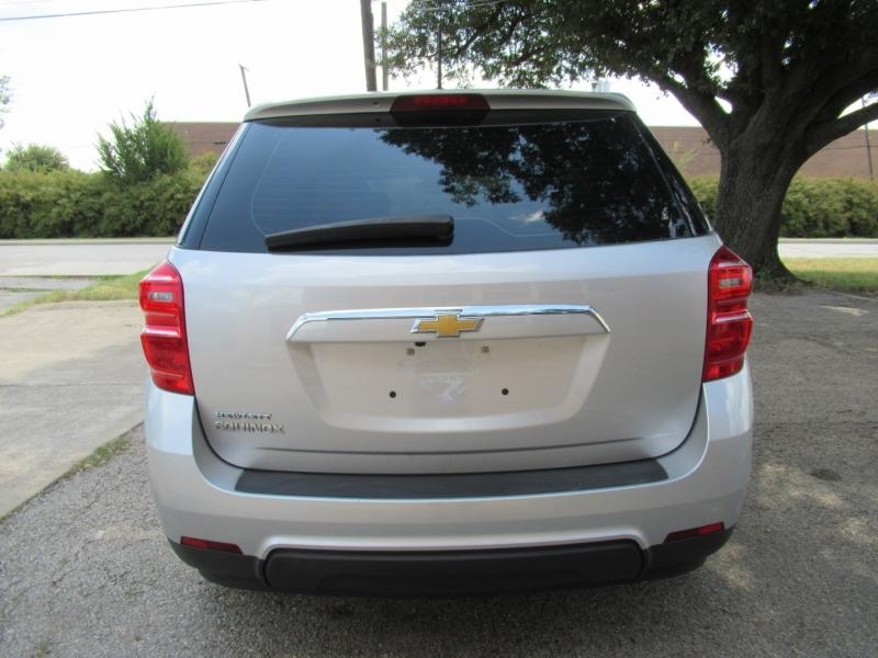 Chevrolet Equinox 2017 price $10,890