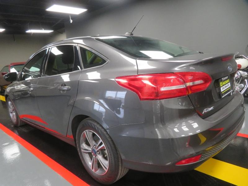 Ford Focus 2018 price $7,950