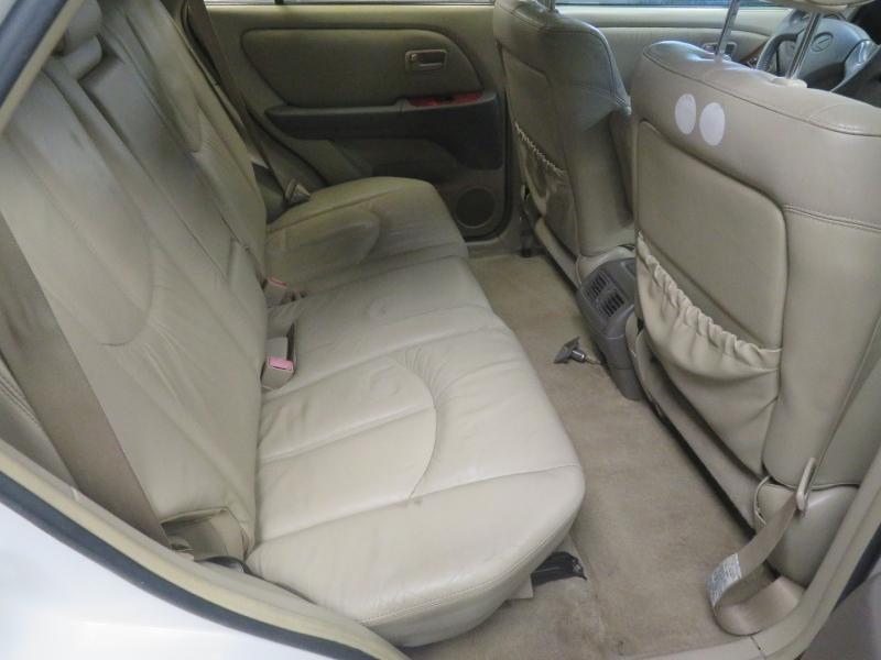 Lexus RX 300 Luxury SUV 1999 price $2,999