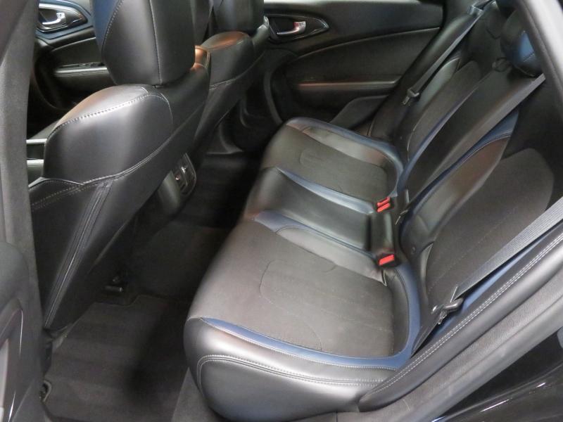 Chrysler 200 2015 price $8,850