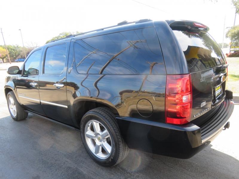 Chevrolet Suburban 2012 price $14,850