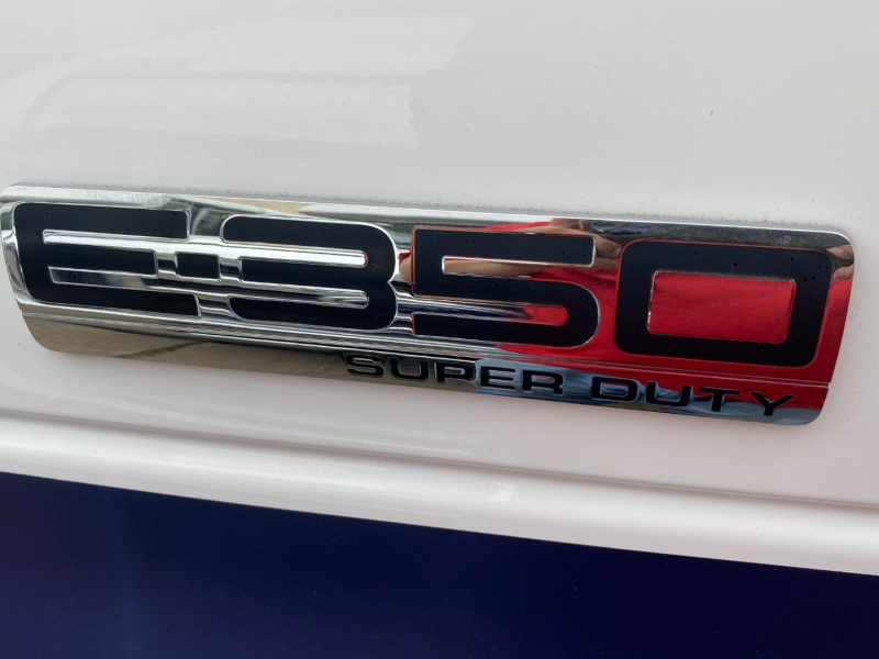 Ford Econoline Wagon 2011 price $17,995