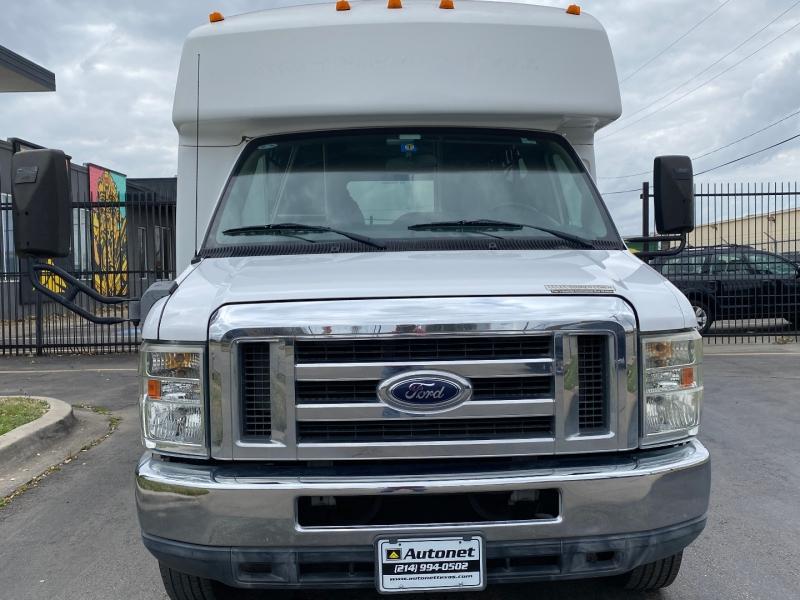 Ford Econoline Wagon 2012 price $17,995
